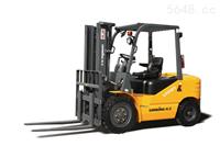 龙工LG25DT内燃平衡重柴油叉车